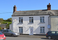 £225,000 - 4 Bedroom End-of-Terrace Period Cottage in Need of Renovation For Sale in Lifton area – click for details