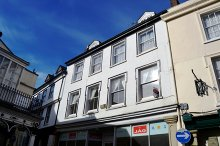 £90,000 - 2 Bedroom First Floor Apartment For Sale in Launceston area – click for details